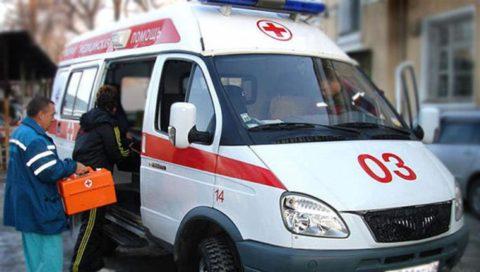 Главная задача пострадавшего и окружающих до приезда «скорой» - не усугубить повреждения, полученные при травме.