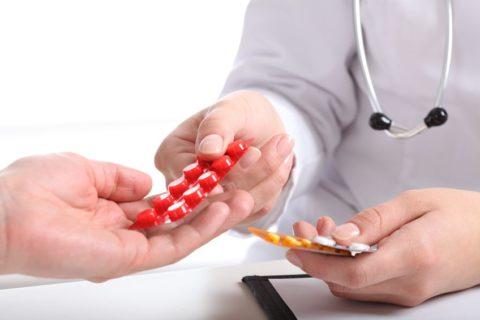 Лекарства при переломах принимают на протяжение всех стадий лечения