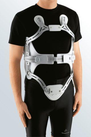 В реабилитационном периоде рекомендуется носить поддерживающий корсет