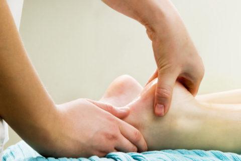Ежедневные сеансы массажа благоприятно действуют на процесс восстановления после перелома