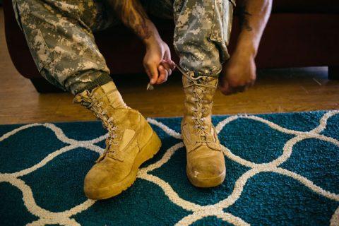 Несоответствующая активности обувь часто является причиной травм.