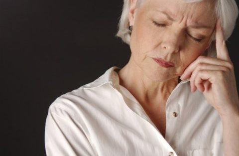 Остеопороз (следствие менопаузы) – причина плохой «спайки» костей у пожилых женщин
