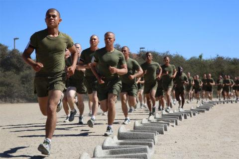 Постоянный бег в неправильно подобранной обуви – риск для стрессового перелома.