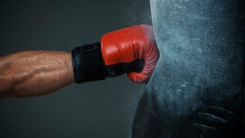 Часто руки ломают спортсмены