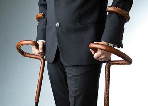 Для бизнесменов и чиновников высокого ранга производятся дизайнерские костыли