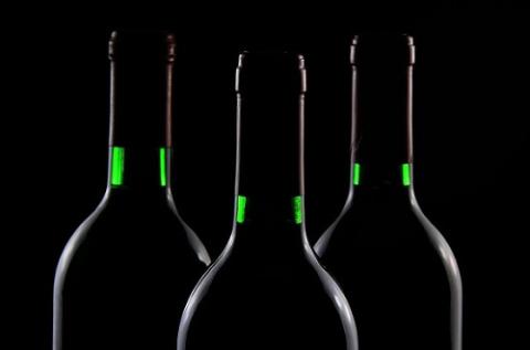 Истинна теряется в большом количестве вина © Паскаль