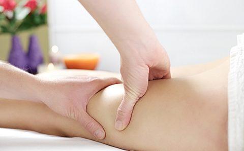Массаж поможет быстрее пройти процесс реабилитации при переломе шейки бедренной кости.