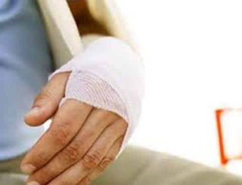 Повязка и иммобилизация руки с переломом лучезапястного сустава