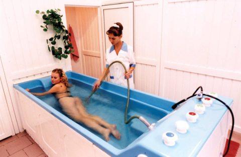 Санаторно-курортное лечение способствует восстановлению опорного аппарата.