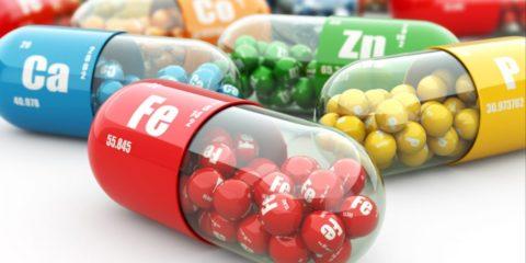 Витаминные комплексы восполнят нехватку полезных веществ в организме.