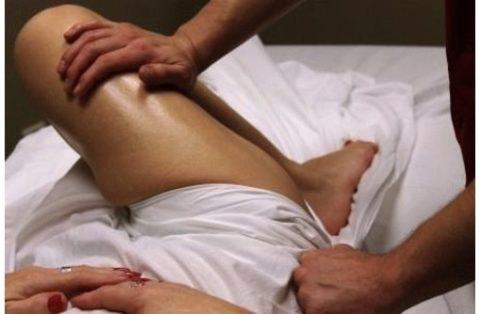 На восстановительном этапе процедуры массажа помогут быстрее вернуть подвижность травмированной конечности.