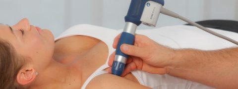 Проведение физиотерапии в случае перелома плеча