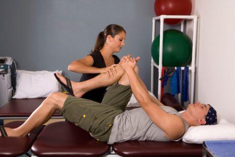 Реабилитация после перелома поясничного отдела позвоночника обязательно включает лечебную гимнастику