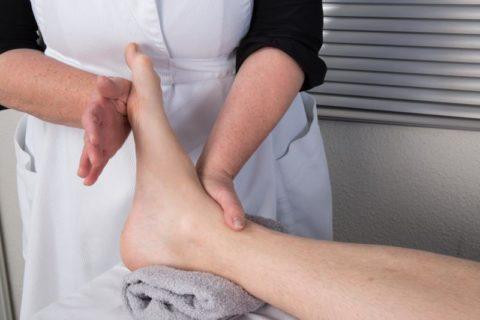 Сеансы массажа являются неотъемлемой часть восстановления после перелома