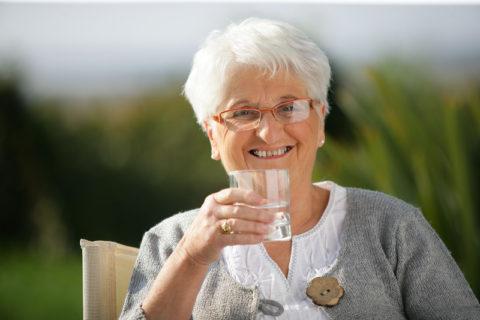 Удельная доля воды в клетках человеческого организма – 70%