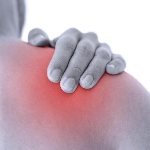 Перелом в шейке плеча возникает нередко