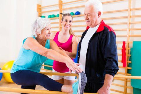 При переломе шейки плеча требуется проведение реабилитации