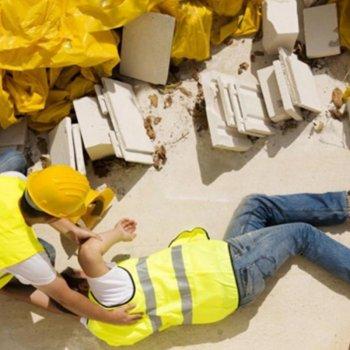 Несоблюдение правил техники безопасности на производствах приводят к травмам
