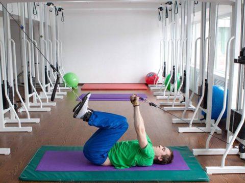 Упражнения проводятся под контролем инструктора
