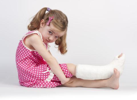 К переломам конечностей приводит повышенная физическая активность детей