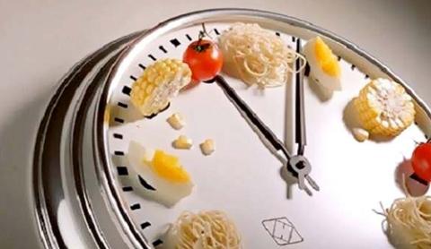 Не переедайте – ешьте небольшие порции 5 раз вдень + перекусы