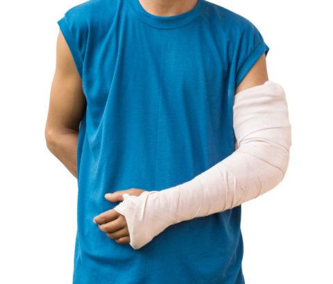 Открытые травмы рук наблюдают нечасто