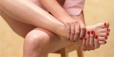 Притупленная боль в стопе – признак усталостного поражения костей.