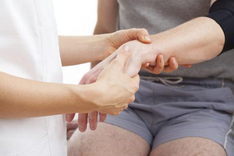 Действия специалиста не должны вызывать болезненных ощущений у пациента