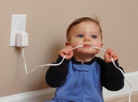 Малыш и провода