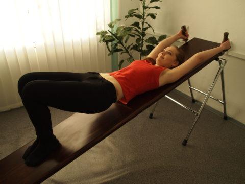 После перелома позвонков необходимо заниматься гимнастикой