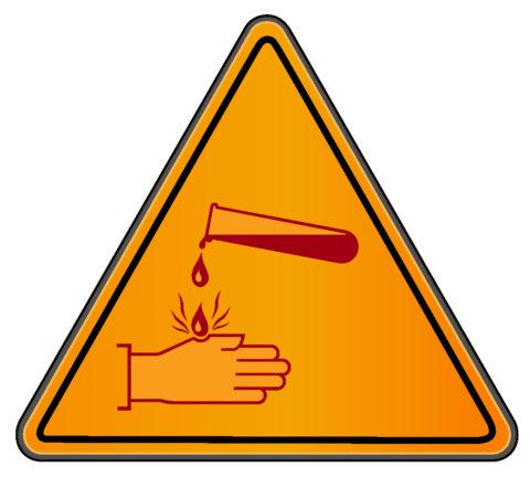 Химические ожоги — одни из самых опасных травм