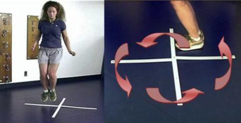 Одно из прыжковых упражнений, помогающих восстановить стопу после травмы