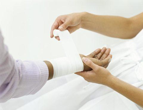 Определить степень поражения может врач после осмотра пациента.