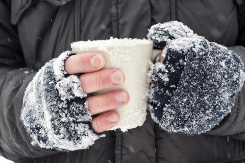Происходит обморожение обычно зимой