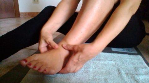 Самомассаж голеностопного сустава после снятия гипсовой повязки.
