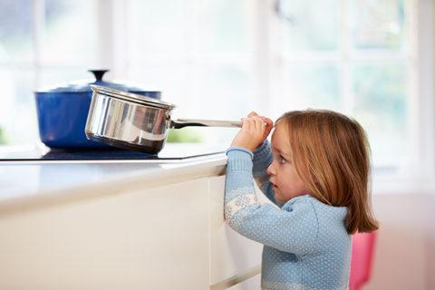 Дети чаще получают ожоги, чем взрослые