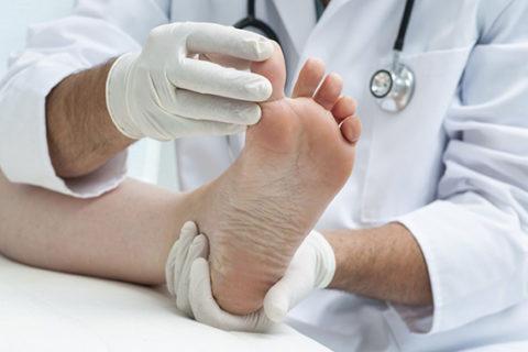 Диагностическое обследование сломанного пальца на ноге