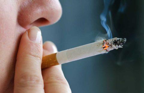 Курение — одна из частых причин ожогов полости рта