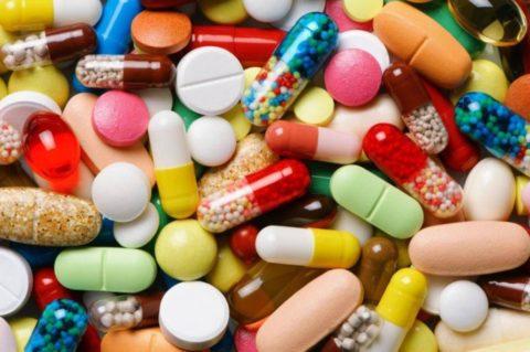 Не рекомендуется употреблять обезболивающие лекарства в течение длительного времени.