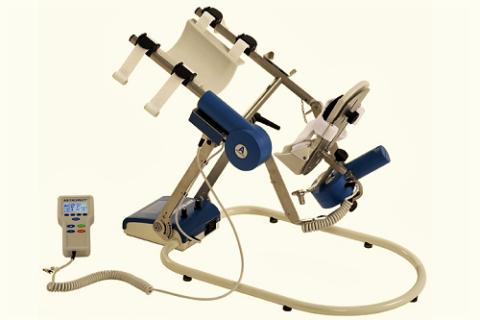 После снятия гипса при двухлодыжечных переломах показано посещать кабинет механотерапии
