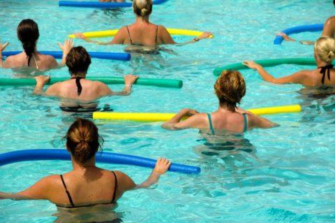 Проведение гимнастики в бассейне