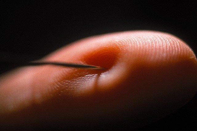 Серьезные холодовые травмы могут приводить к необратимой потере чувствительности на поврежденных участках.