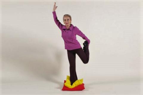 Балансирующие упражнения – важная составляющая комплекса ЛФК после травм колена