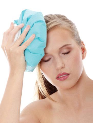 Чем раньше будет приложен холод на место ушиба, тем меньше будет отечность тканей.