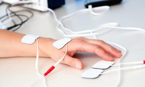 Физиотерапия поможет быстрее восстановить травмированные участки.