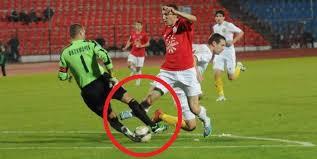 Неосторожные падения в спорте как причина сломанной кости ноги