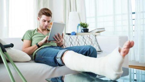 Постельный режим для успешной реабилитации после травмы берцовой кости