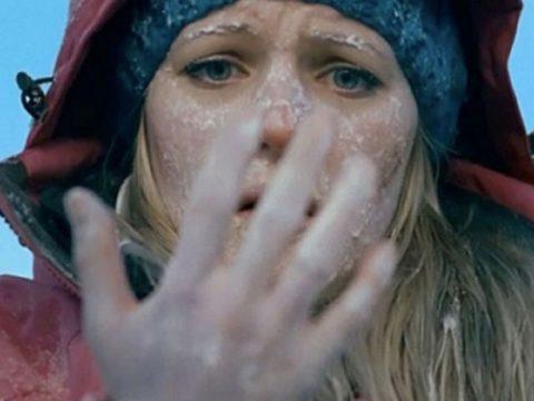 При холодовой травме важно оказать правильно первую помощь пострадавшему.