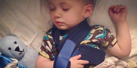 Травма плеча у ребенка