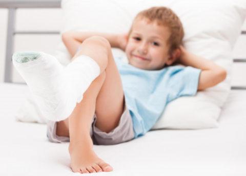 У детей переломы срастаются быстрее.